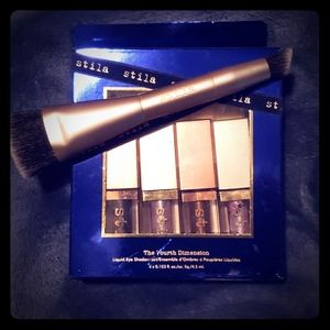 Stila counter and conceal brush with the fourth